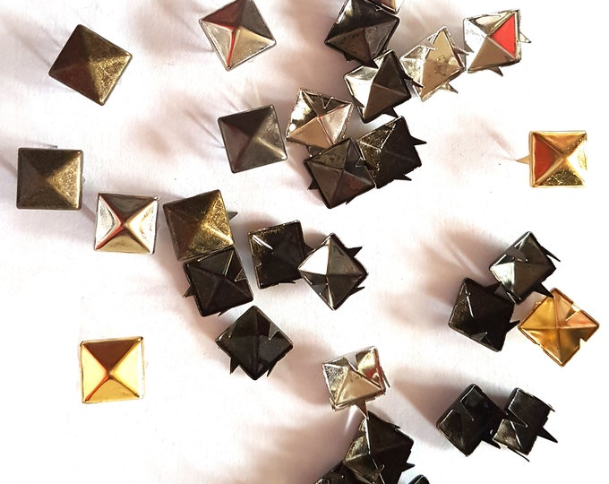 CLEARANCE Pack of 100 Metal Square Rivets. Different Colours. 9mm Decorative Snaps