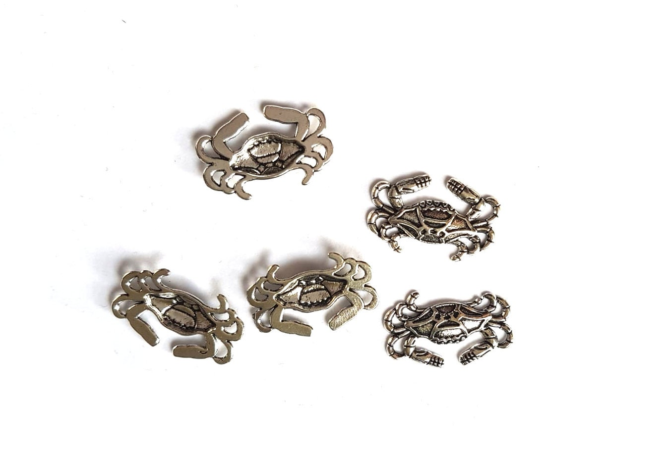 SILVER TONE FREE  SAME DAY POSTAGE 10 x FILIGREE BUTTERFLY CHARMS 20 x 20mm