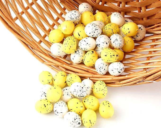 Pack of 50 Mix of Yellow and White Speckled Artificial Easter Eggs. 20mm x 15mm. Plastic Party Decorations