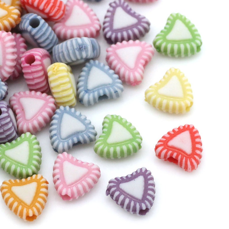 Pack of 300 Acrylic Assorted Candy Colours Love Heart Beads. image 0