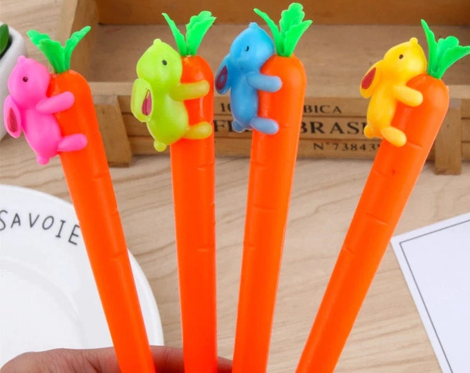 Pack of 5 Assorted Colours Rabbit on Carrot Black Ink Gel Pens. Office School Stationery Supplies. 16cm Long.