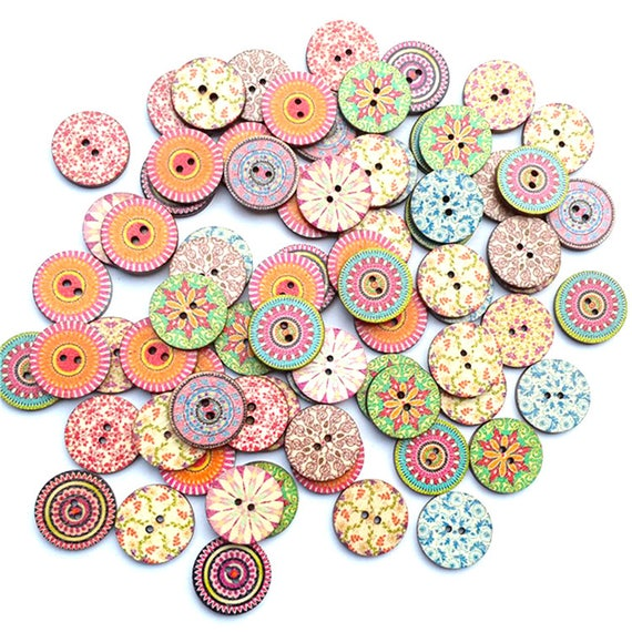 6  Assorted Animal Designs Wooden  Buttons 15mm Sewing crafts  Free P/&P