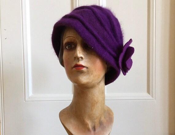 20s style purple wool hat beanie