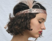 CHAMPAGNE 1920s Headband, Blush ostrich feathers fascinator, Rose gold sequined flapper stretch headpiece, Great Gatsby Flapper Dress