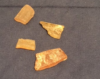 Lot of 4 pieces of amber