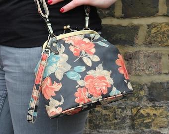 Evanna Clutch Clip Bag With Floor Spanish Floral Print