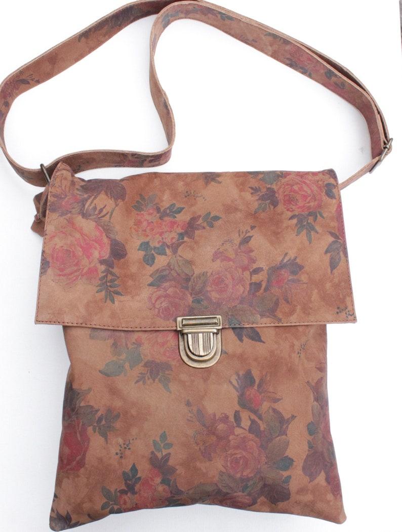 Large envelope bag in N14 Darkest Floral print leather