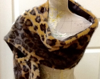 Vintage Leopard Faux Fur Wrap / Faux Fur Stole / Valerie Stevens / 1980's / Evening Wear / High Fashion / Retro / Hipster