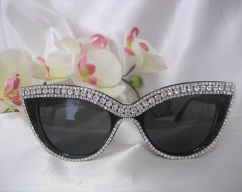 3e1903fde441 Crystal Rhinestone Cat Eyes Bling Sunglasses Black Frame Eyewear Accessories