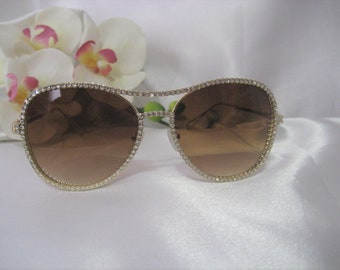 4699a174cd8 Bling Rhinestone Sunglasses Gold tone Frame Tear Drop Design Women  Accessories Eyewear