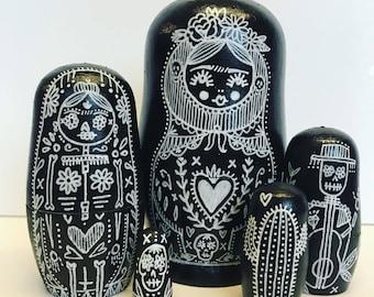 Frida kahlo, dolls in dolls, day of the dead, Russian matryoshka dolls, babushka nesting dolls