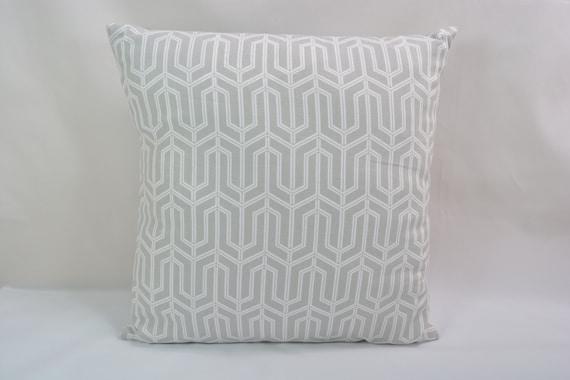 wholesale white throw pillows