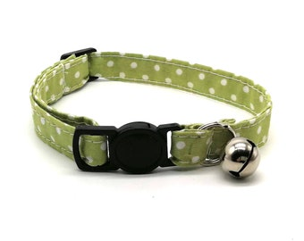 Cat Collar - green spot fabric with breakaway safety collar