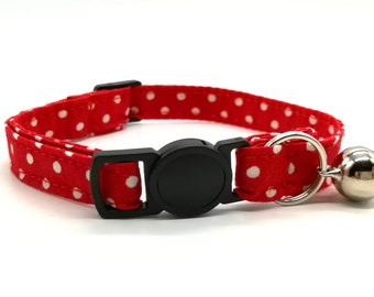 Red spot cat collar - quick release safety clasp