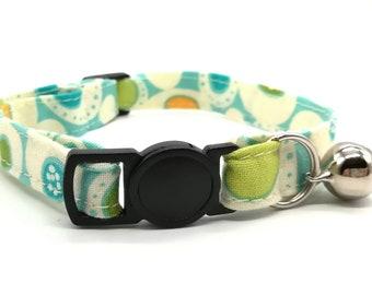 Blue blob breakaway safety collar