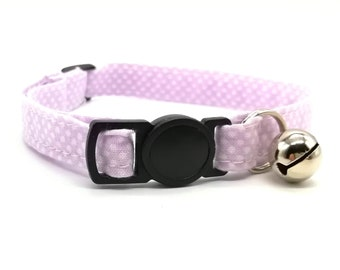 Lilac spot collar with breakaway safety clasp