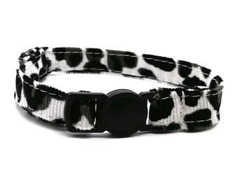 Grey leopard animal print