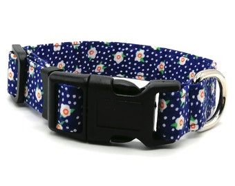 Adjustable Dog Collar | Navy Daisy dog collar