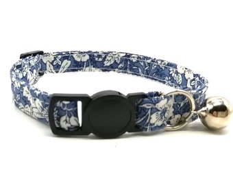 Cat Collar - blue floral breakaway safety collar