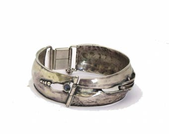 Silver bangle bracelet. Wide bracelet. Sterling silver bangle. Boho bangle. Hand crafted jewelry. Hinged bangle with safety chain.