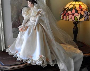 Ashton Drake wedding doll - Elizabeth. Victorian style dress lots of fabric - excellent display doll.