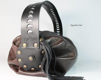 6205e41961 Nuvola è una borsa morbida di pelle e cuoio di alta qualità, il manico è  intagliato a mano, può essere indossata a spalla