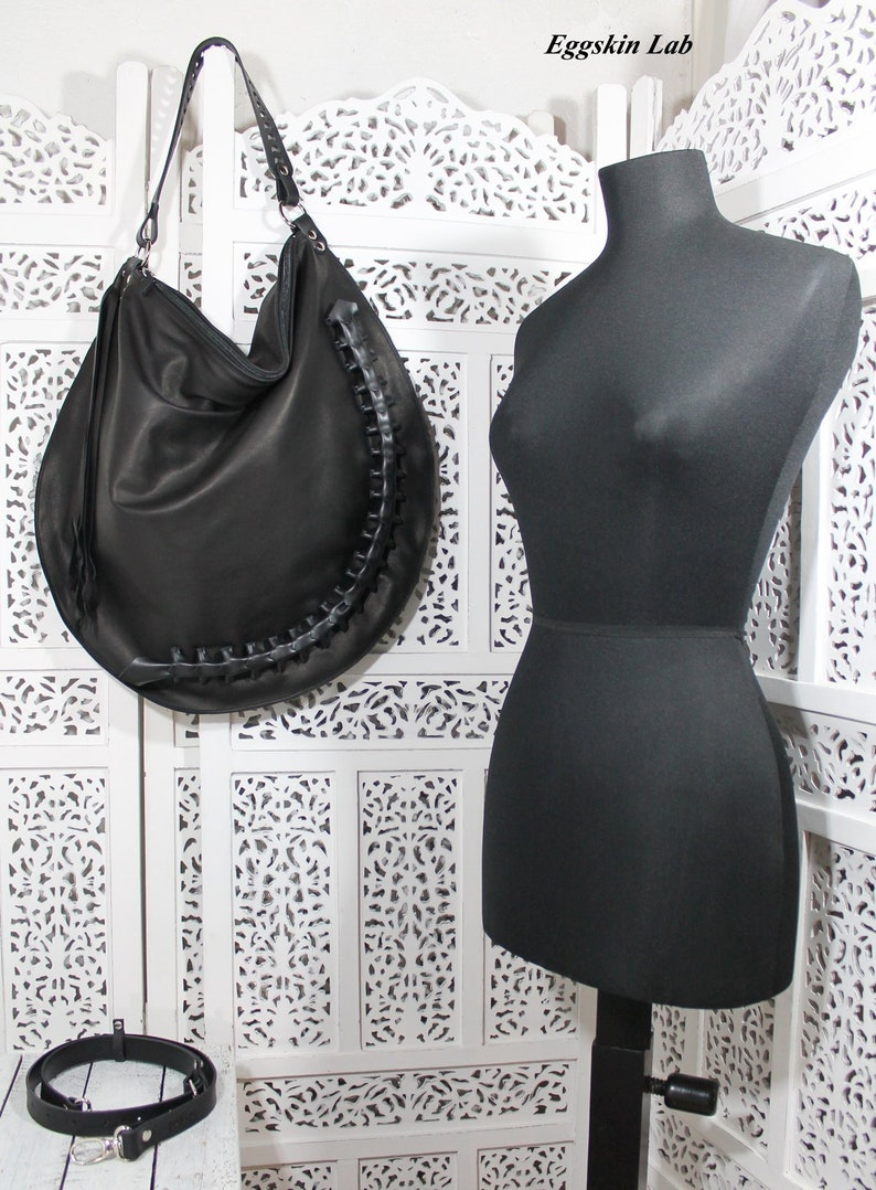 VILDE XXL SIZE is a soft leather bag black leather purse image 0