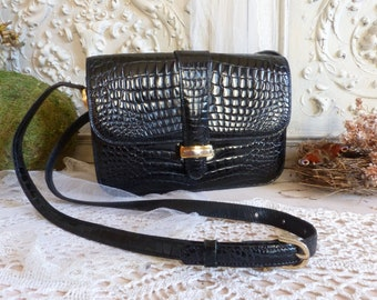 86339ef8b1 Vintage genuine leather faux crocodile shoulder bag. Embossed leather faux  crocodile pattern. Small cross body bag. Evening dress purse.