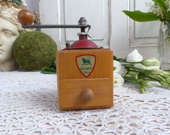 French vintage pepper mill. Coffee grinder shape pepper mill. Pepper grinder. Spice grinder. French country kitchen. Peugeot pepper grinder