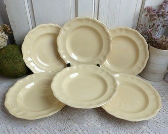 Set of 6 antique french pale yellow creamware soup plates. Pale yellow. Scallop edge salad plates. Jeanne d'Arc living. Gustavian decor