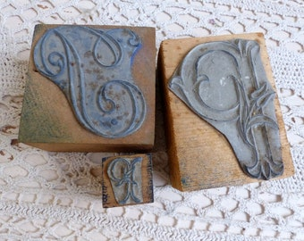 Set of 3 Antique french embroidery stamps. Monogram P. Embroidery monogram stamp Letter P. French emboidery crafts. French country