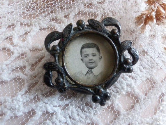 Antique french black mourning pin frame. Small mou