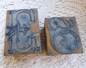 Set of 2 Antique french embroidery stamps. Monogram E. Embroidery monogram stamp. Letter E. French emboidery crafts. French country
