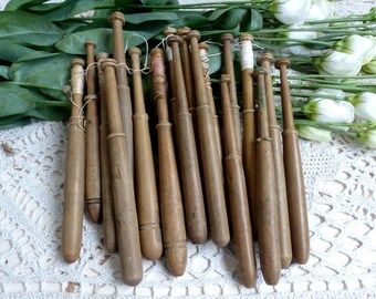 Set of 18 Antique french wooden lace making bobbins. Antique wood lace making bobbins. Lace maker bobbin. Embroidery. Lace making. Lot 3
