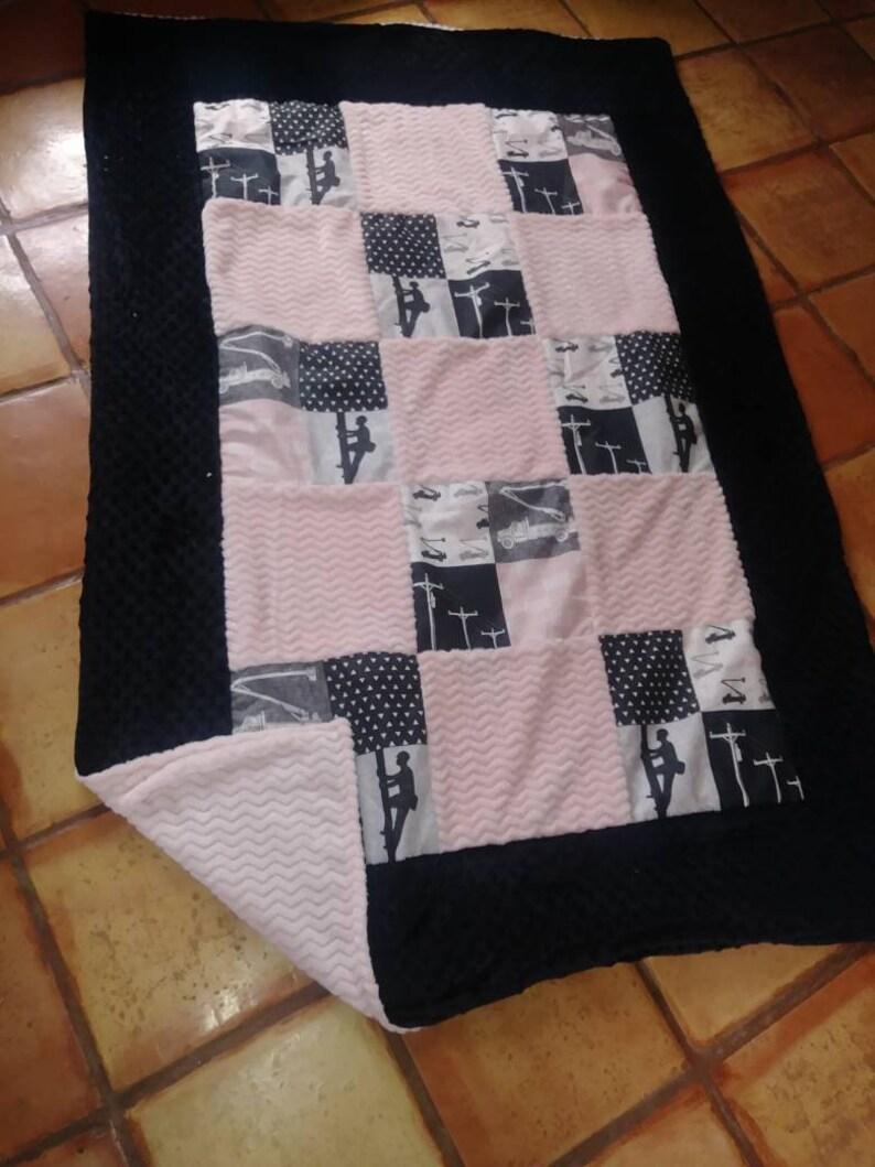 Ready to ship! Lineman women/'s lap blanket