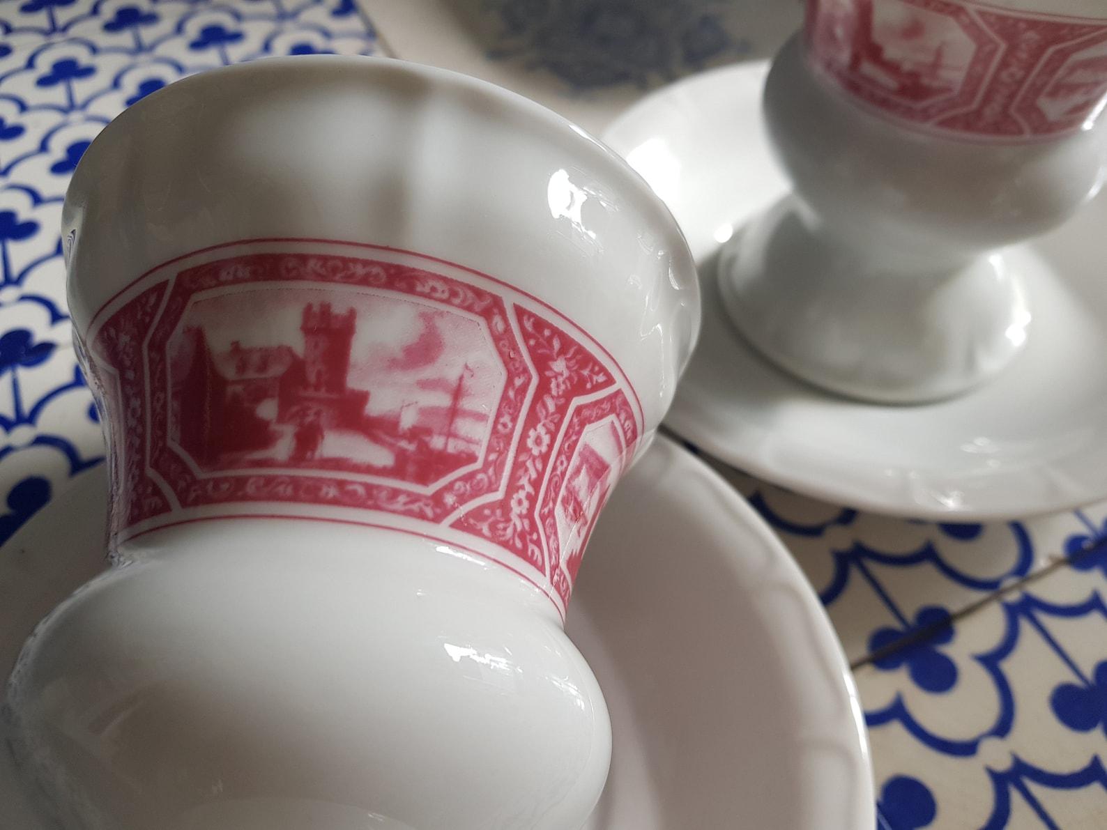 Vintage 2 Rüdesheimer cups and saucers...Set of 2...Original porcelain 60 Heinrich porcelain Villeroy and Boch...White Pink..