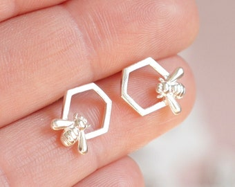 Bee Earrings ∙ 925 Sterling Silver ∙ Bumble Bee & Honeycomb Stud ∙ Birthday Gift ∙ Gift for Her ∙ Bee Studs ∙ Christmas Stocking Filler