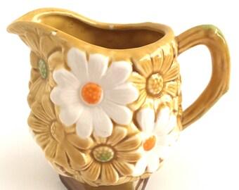 Daisy Creamer Pitcher Doris Day Mod Ceramic Maple Syrup Jug 1960s