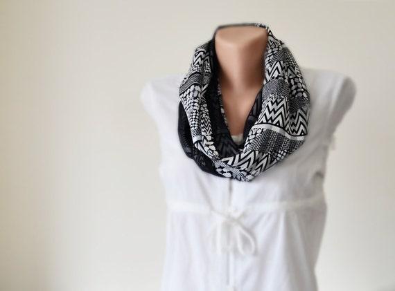 22bc4a649582 Gainé de monochrome Boho foulard écharpe de boucle   Etsy