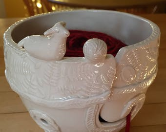 Woolly Lamb Porcelain Yarn Bowl wide base, indented rim, 2 yarn feeds. Strong and Lovable