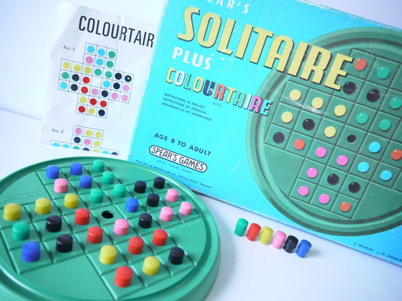 VINTAGE 1980s ISSUE GAME. SOLITAIRE plus COLOURTAIRE by SPEARS