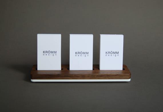 Moo Visitenkarten Ständer Holz Mehrere Moo Visitenkarten Etui Nussbaum Holz Und Acryl 3 Vertikale Business Card Stand