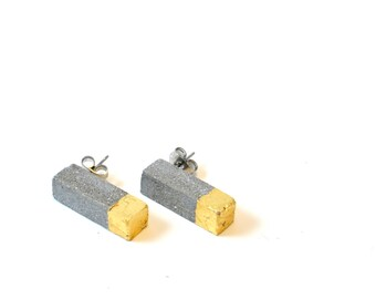 Concrete earrings with gold cube / Minimalist Earrings / Industrial Earrings / Concrete Jewelry / Architectural