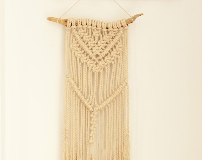 Macramé wall hanging, macrame tapestry, Boho Wall Hanging, Boho, Nursery Decor, Wall Hippie Hanging, macrame deco, handicrafts, craftwork