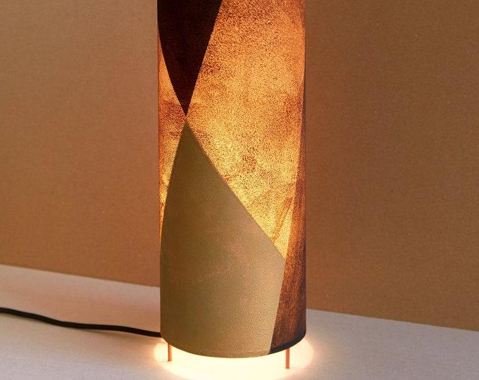 Lámpara de mesa alta MUTTER /  lámparas de sobremesa forma tubo hecha a mano