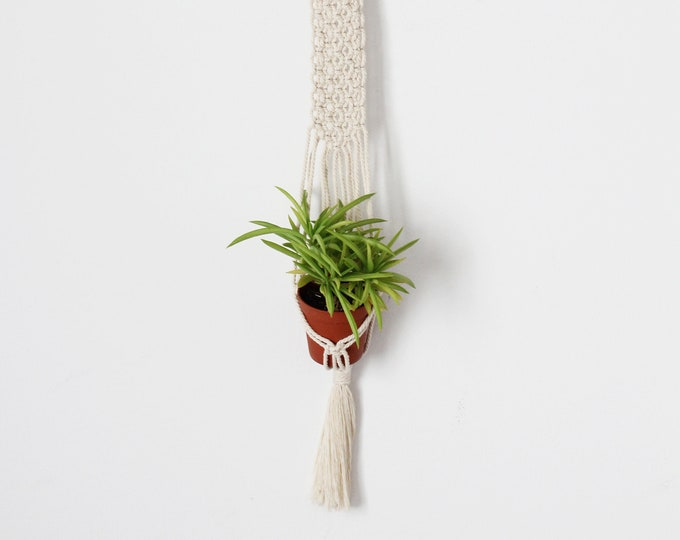 Macrame Wall hanging, Planthanger little, Macramé wall baby cactus planter, Macrame wedding, Macrame holder, Macrame mini succulent holder