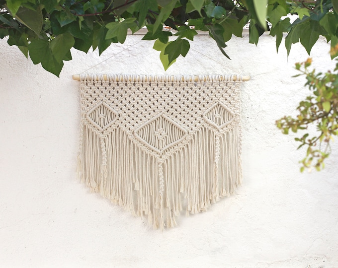 Wall Hanging hippy, Mother's Day gift, Boho macramé wall hanging, Macrame tapestry, Boho Wall Hanging, Bohemian, Wall Decor, Modern macrame