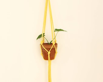 macrame plant holder, yellow macrame plant hanger, macrame plante, plant holder, hanging planter, modern macrame, home decor, boho, yellow