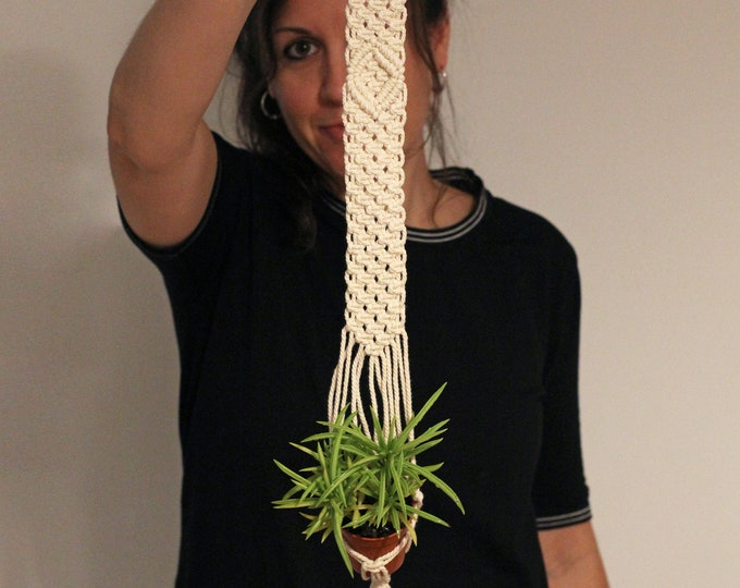 Planthanger little, Macrame plant hanging, Macramé wall baby cactus, Macrame boho wedding, Macrame pot holder, Macrame succulent holder