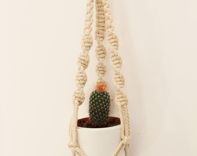 Hanging planter, macrame, boho, handmade, plant hanger, macrame suspension, macrame holder, macrame holding planter, handicrafts, craftwork